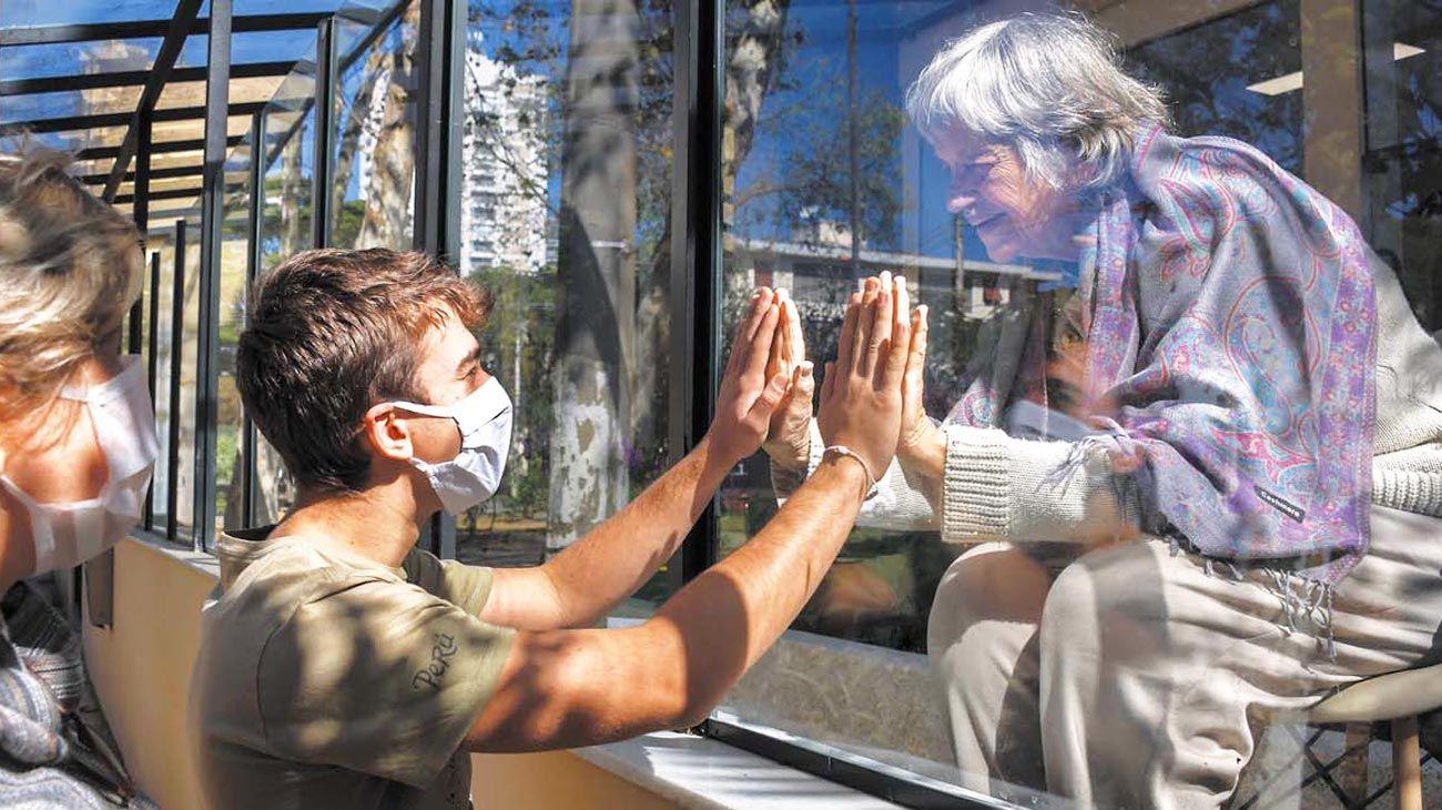 Pandemia. Cómo aprenderá la humanidad a convivir con nuevos hábitos.