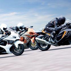 La motocicleta Hayabusa de Suzuki vuelve con un diseño más liviano y una velocidad máxima limitada a 299 km/h. Foto: Suzuki Motorcycles/dpa