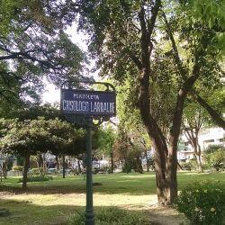 Los barrios porteños de Caballito y Coghlan también tienen sus circuitos para recorrerlos en bicicleta.