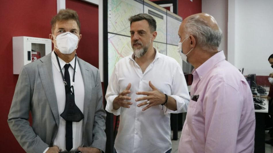Burlando con Grindetti y Kravetz