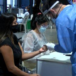 Nuevas restricciones para viajar al exterior y para regresar al país por la cepas descubiertas de coronavirus.