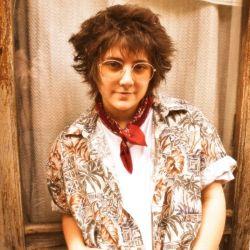 Melanie Williams tiene apenas 26 años y una gran experiencia como sesionista y solista.