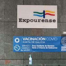 En Galicia citan a los beneficiarios de la seguridad social para vacunarse en centros comunitarios según la edad.
