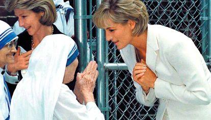 "Madre Teresa. Diana implementó un ""principado no gubernamental""."