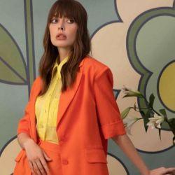 A-Raise, marca ucraniana que enfatiza las siluetas y el color.