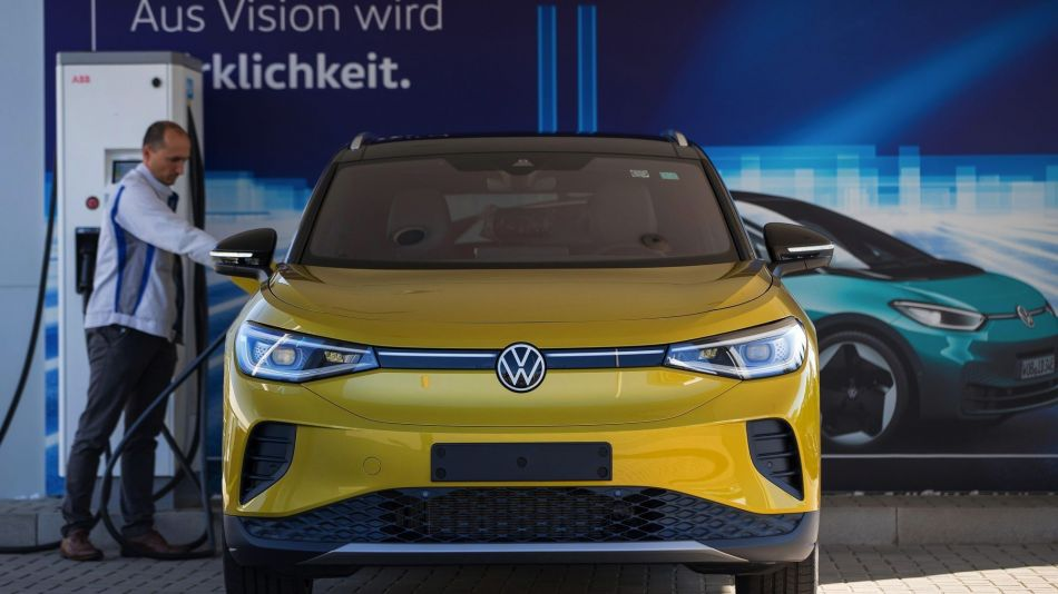 New Volkswagen ID.4 Electric Car Takes Aim at SUV Buyers