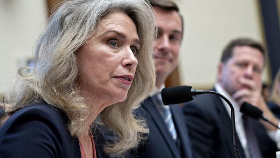 Allison Herren Lee - Comsión de Bolsa y Valores de Estados Unidos - SEC