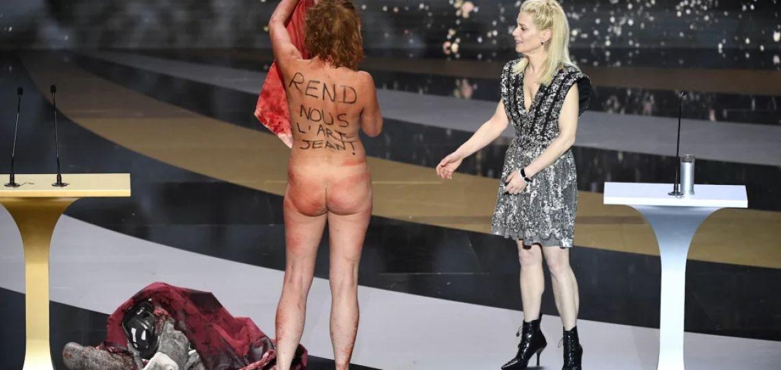 Quién es Corinne Masiero, la actriz que podría ir presa por protestar desnuda en los premios César