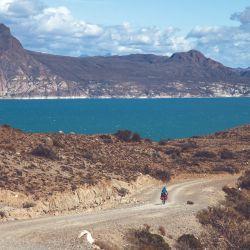 A medida que nos acercábamos al lago Ghío la estepa iba quedando atrás para dar paso a la montaña.