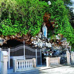Gruta de Lourdes en Mar del Plata.