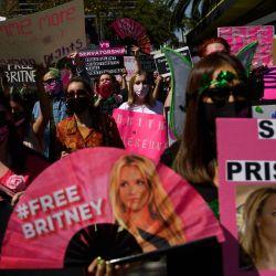 Los partidarios del movimiento FreeBritney se manifestaron en apoyo de la música Britney Spears luego de una audiencia en la corte de tutela en Los Ángeles, California. | Foto:Patrick T. Fallon / AFP