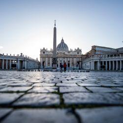 La imagen muestra una vista general de la Plaza de San Pedro del Vaticano, después de que la mayor parte de Italia volvió a entrar en restricciones de bloqueo destinadas a frenar la propagación de la pandemia de Covid-19. | Foto:Tiziana Fabi / AFP
