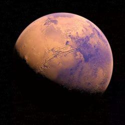 El nuevo estudio plantea dos situaciones que se dieron en simultaneo para explicar la desaparición del agua en Marte.