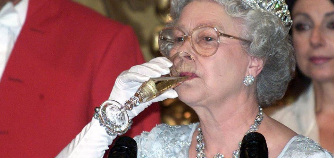 Estas son las bebidas alcohólicas favoritas de la Reina Isabel II