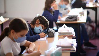Se reducen la distancia entre los alumnos.