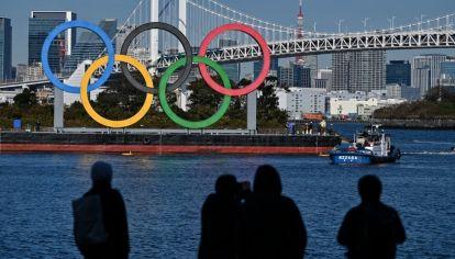 A mirarlo por televisión. No habrá espectadores extranjeros en los Juegos Olímpicos de Tokio. // AFP