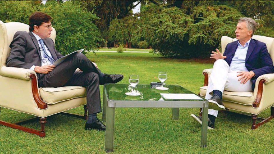 En los Jardines de Olivos. Mauricio Macri, en la entrevista con Jorge Fontevecchia.