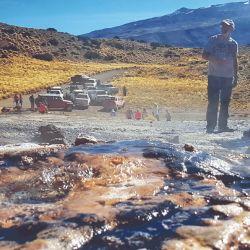 Fumarolas en la cercanías del Volcán Domuyo (ambas en Neuquén).