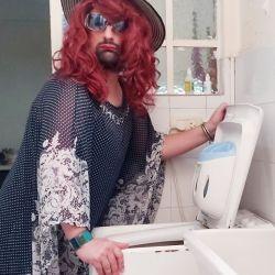 """""""La Criti"""", el  personaje interpretado por el actor Nahuel Saa, se sumó a la campaña con el hastag #NODERROCHES"""