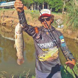 Mover la boya es clave en Chis Chis: obliga al pescador a darle vida a su caña.