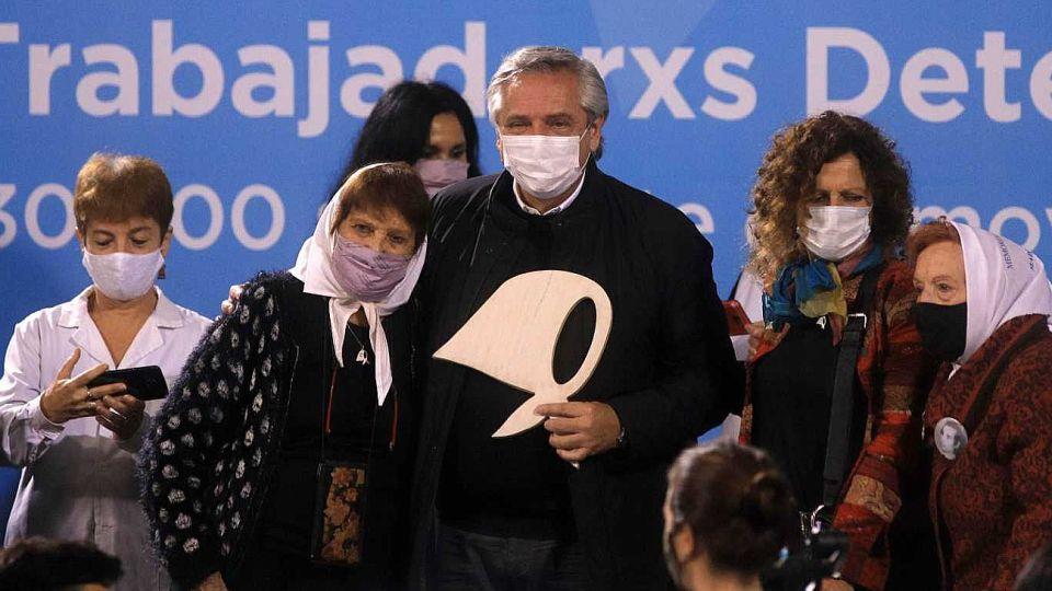 Alberto Fernández junto a Taty Almeyda en el acto por el Día de la Memoria en la ESMA