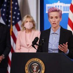 Tras su declaración, Megan Rapinoe participó del #EqualPayDay en la Casa Blanca, junto a Joe y Jill Biden.