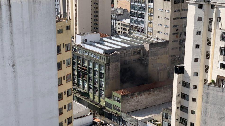 Folha de Sao Paulo incendio g_20210330
