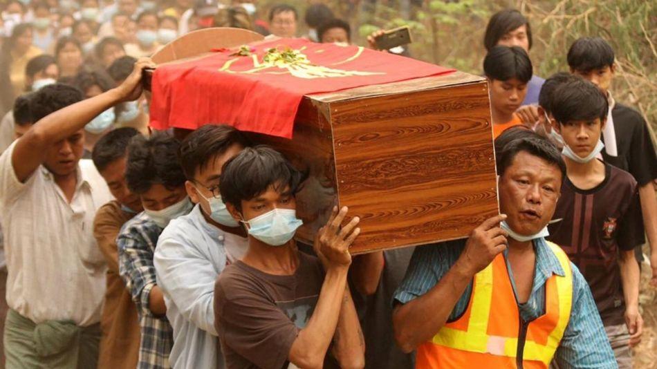 Myanmar Muertos Golpe