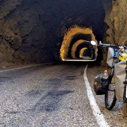 El Cañón del Pato se convierte en una secuencia de inumerables túneles que se abren paso entre la poca accesibilidad de la montaña.