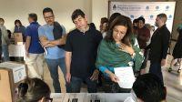 Argentinos votando en el Exterior-20210331