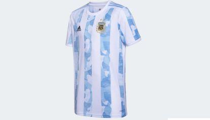 La nueva camiseta de la selección nacional argentina de fútbol.