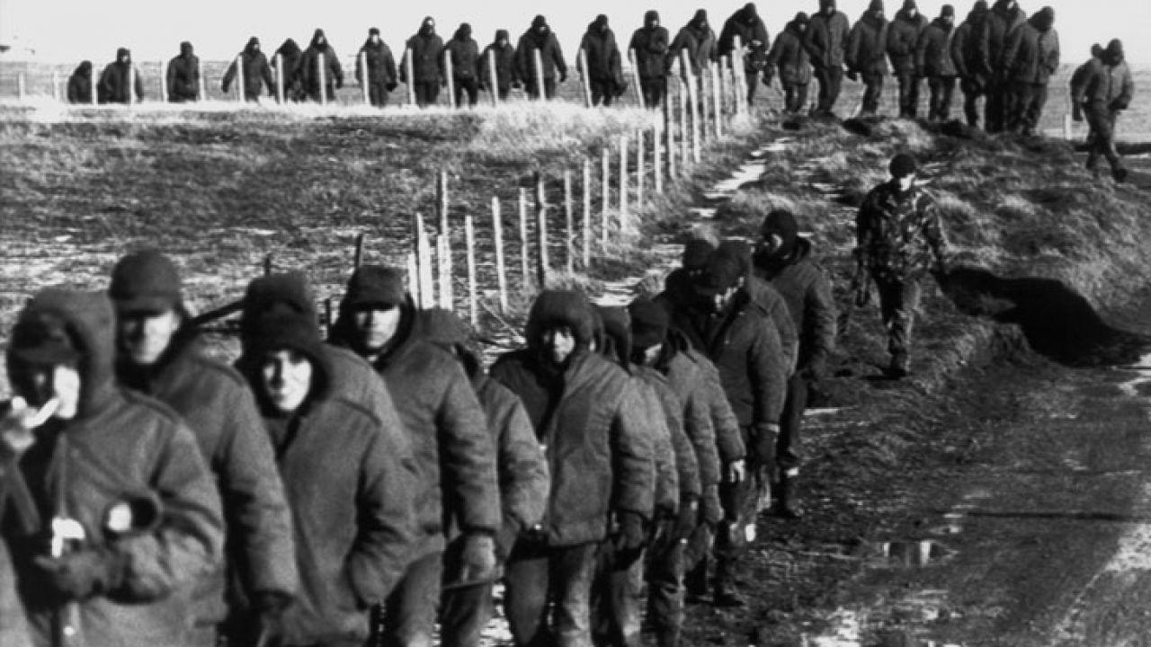 Soldados argentinos en Malvinas   Foto:cedoc