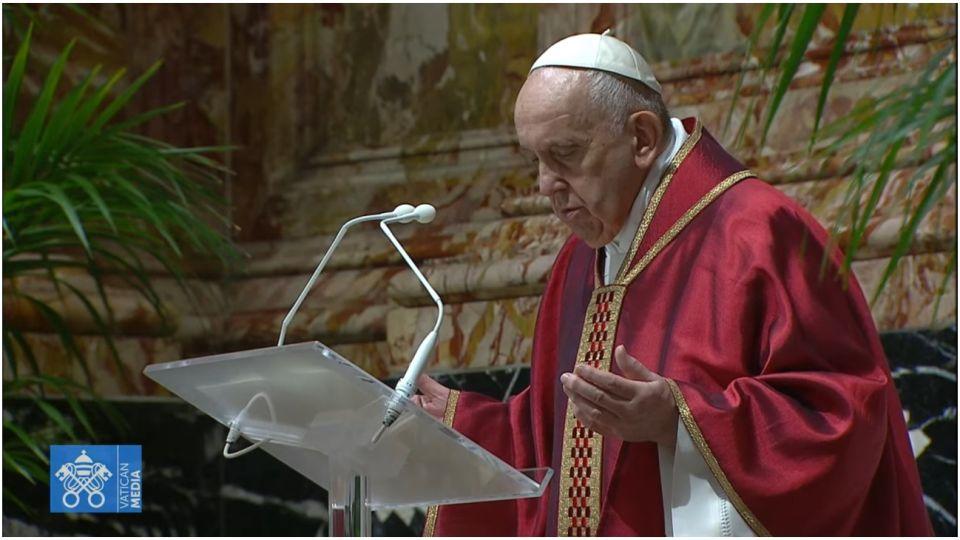 Papa Francisco preside segundo Vía Crucis en el Vaticano