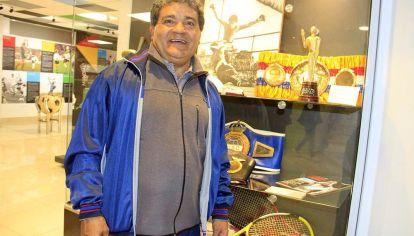 Museo propio. Laciar y sus recuerdos. Fue tres veces Olimpia de Oro en tiempos de grandes deportistas como Sabatini, Reutemann y Maradona.