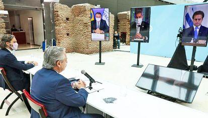 Tensión. Alberto Fernández le respondió a su par uruguayo, Luis Lacalle Pou, que había exigido la flexibilización del Mercosur.