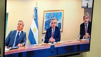 Última actividad. Una videoconferencia con el Consejo Nacional de Asuntos Relativos a las Islas Malvinas. Por eso, tanto el canciller Solá como Daniel Filmus debieron aislarse.