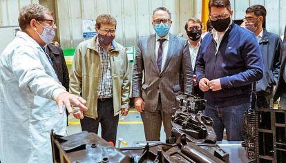 Industria. El ministro Matías Kulfas visitó en marzo una planta de Mirgor en Tierra del Fuego.