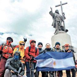 Visita al Cristo Redentor de los Andes, que se hace con un trekking de aclimatación.