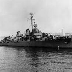 De los 327 miembros de su tripulación, solo 141 sobrevivieron a la cruenta batalla naval.