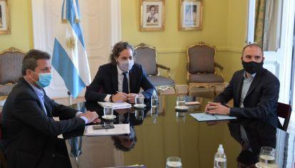 Cafiero, Massa y Guzmán, reunidos para definir la reducción.