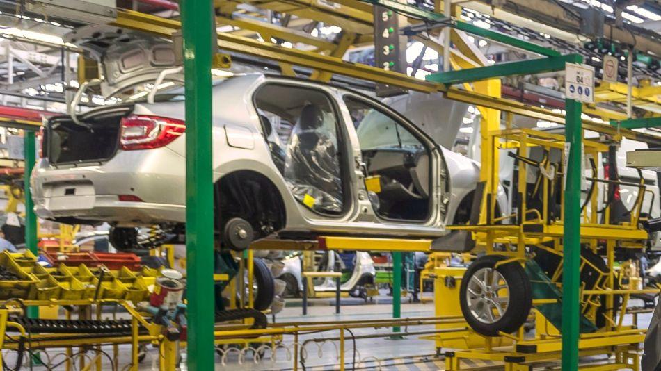 La producción local de automóviles creció 125,2 por ciento en marzo
