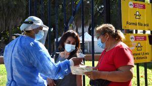 Segunda ola de coronavirus. Los ciudadanos asisten a los testeos e hisopados.