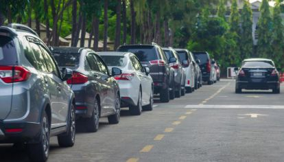 La Ciudad libera el estacionamiento para que el transporte público sea utilizado solo por los esenciales y autorizados.