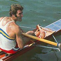 Alberto Demiddi decidió despedirse de la práctica del remo en 1974 para dedicarse a enseñar la disciplina.