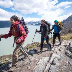 El trekking o el senderismo se basan en largas caminatas al aire libre, por caminos silvestres o montañosos.