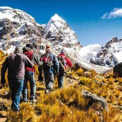 Son varios los especialistas que afirman que 3 horas de caminata por la montaña equivalen a una hora corriendo.