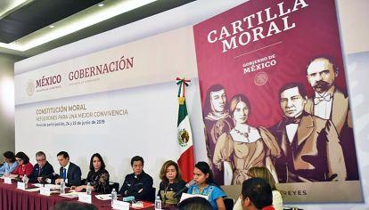 México. El gobierno ha distribuido una Cartilla Moral escrita por Alfonso Reyes.