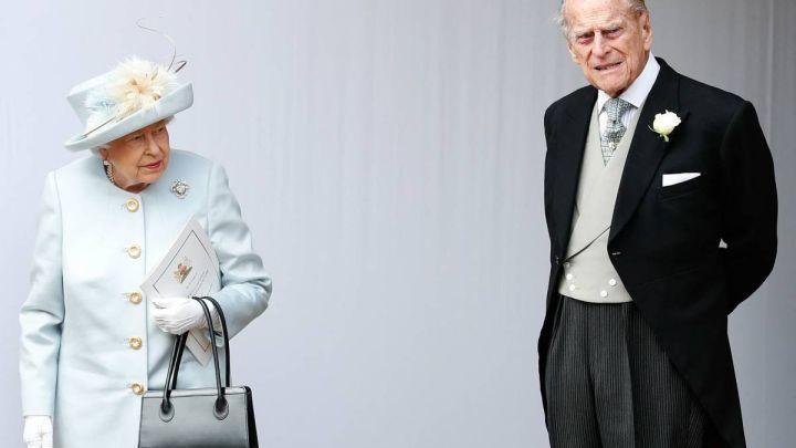 """El dolor de la reina Isabel tras la muerte de su esposo, Felipe de Edimburgo: """"Siente un enorme vacío"""""""