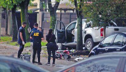 Justiciero. Uno de los delincuentes terminó muerto abajo de la camioneta y el otro fue rescatado con vida, pero falleció horas después en el Hospital.