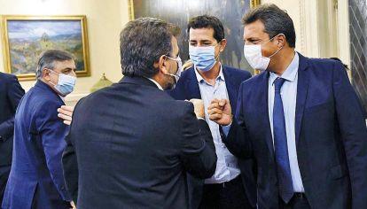 """Enfrentados. Sergio Massa y Eduardo """"Wado"""" De Pedro se reunieron con los legisladores de la oposición Cristian Ritondo y Mario Negri para debatir la suspensión."""